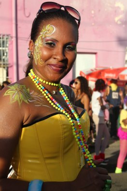 Costumes et maquillages font partie des plaisirs du carnaval. (Martinique)