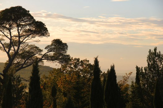 Autour de la montagne Sainte-Victoire, en Provence.