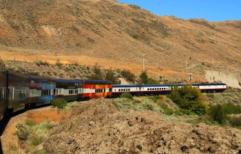Le Rocky Mountaineer et ses wagons panoramiques.