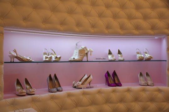 Le magasin Tohu et ses rayons de chaussures.