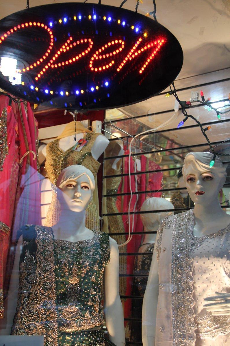 Une boutique de vêtements dans le quartier de Little India. (Toronto)