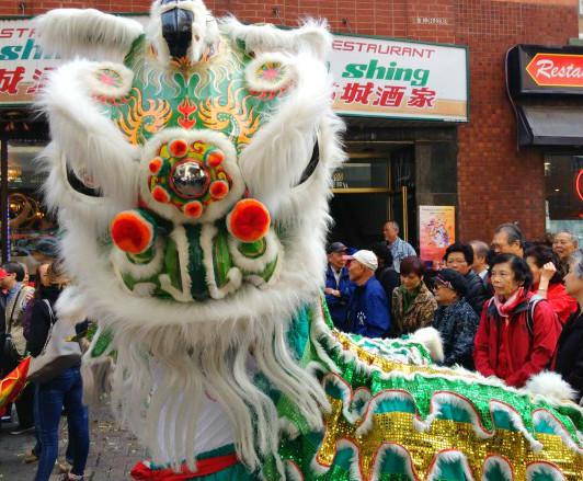Célébrations dans le quartier chinois, à Montréal.