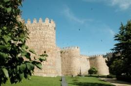 Les remparts et le chemin de ronde d'Avila.