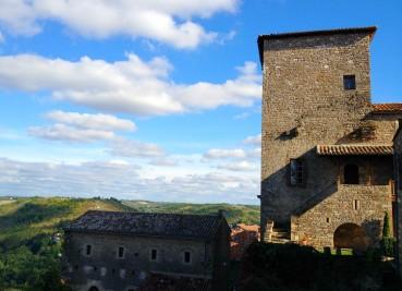 Cordes-sur-ciel fait partie des plus beaux villages de France.
