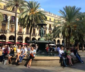 La fontaine de la Plaça Reial, Barcelone.