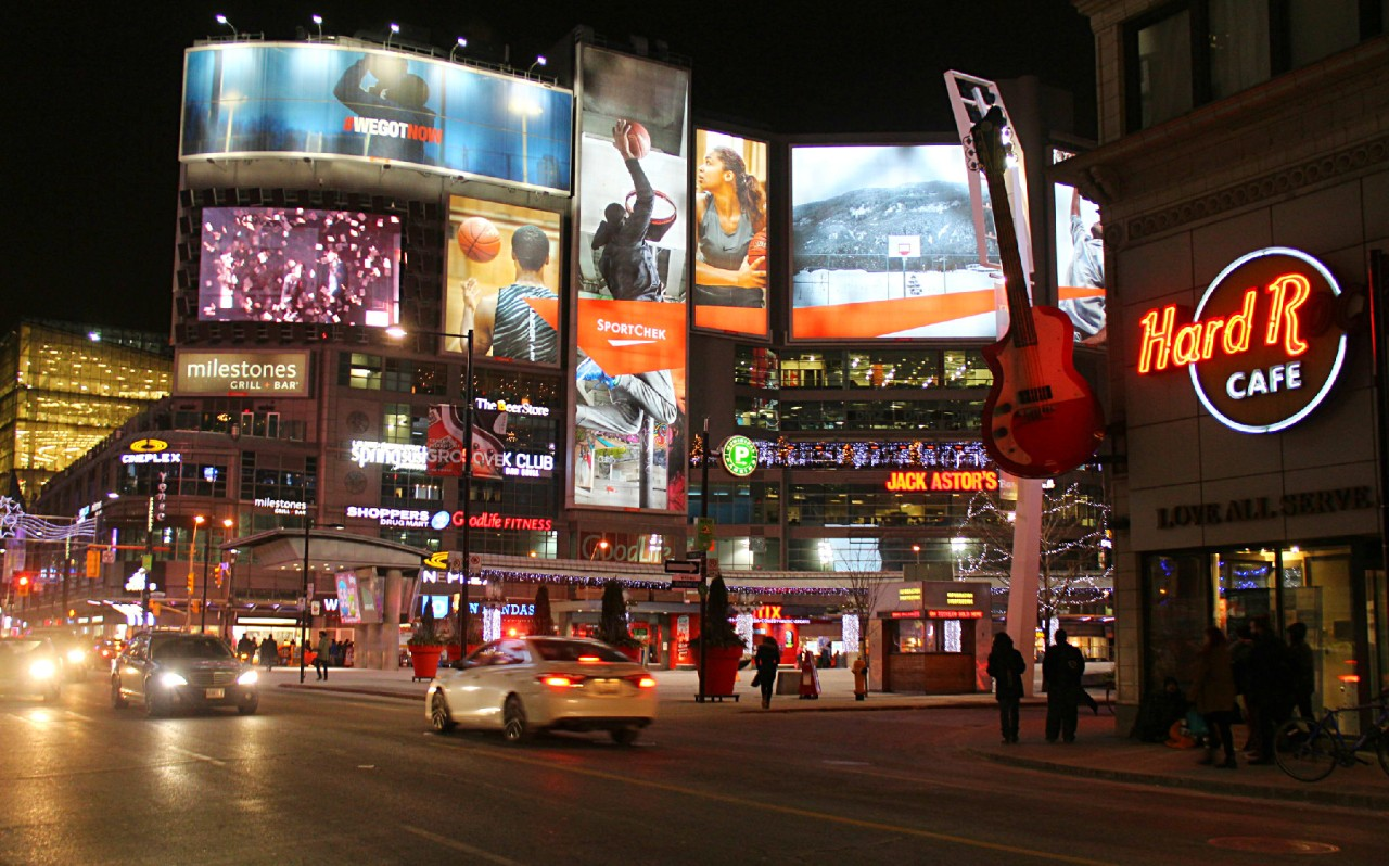 Toronto: Showtime !