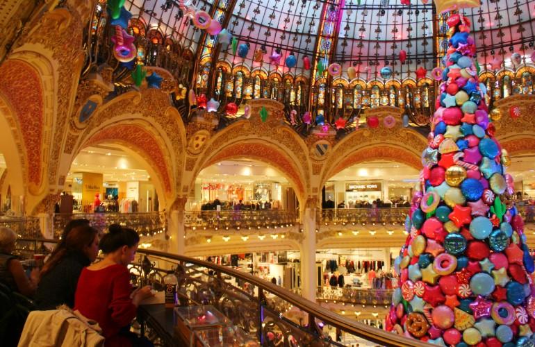 Décorations des Galeries Lafayette, à Paris.