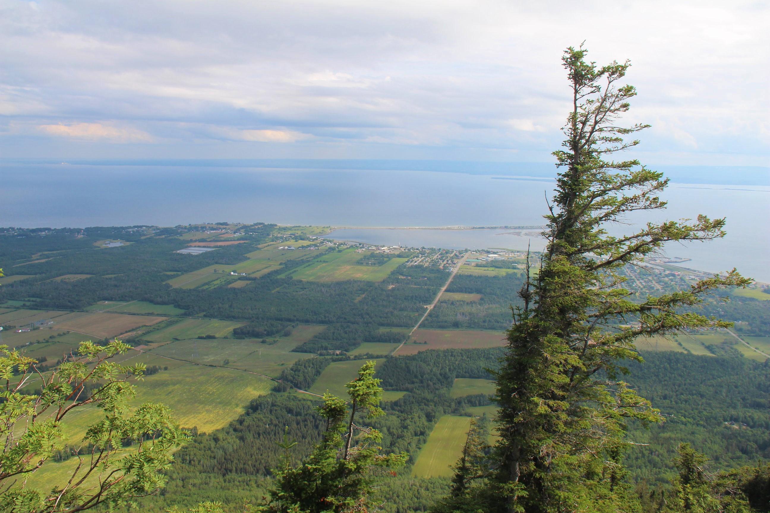 Vue sur la Baie des Chaleurs, du Mont Saint-Joseph