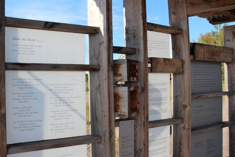 Shed de la Patrie, avec des extraits de poème