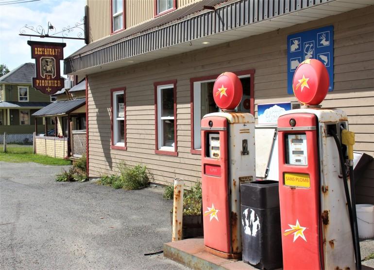 Pompes à essence à Ste-Marguerite de Lingwick
